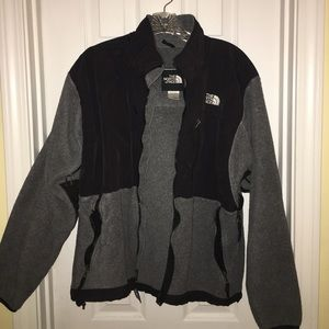 Size L The North Face fleece Gray